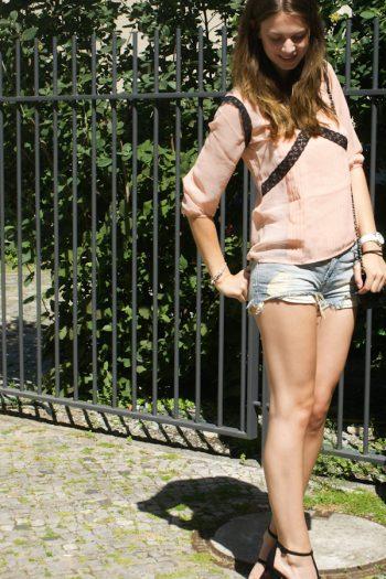 4 Days 4 Ways: How to wear Denim Shorts #3