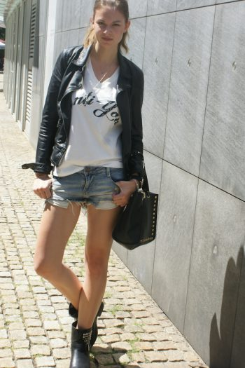 4 Days 4 Ways: How to wear Denim Shorts #4