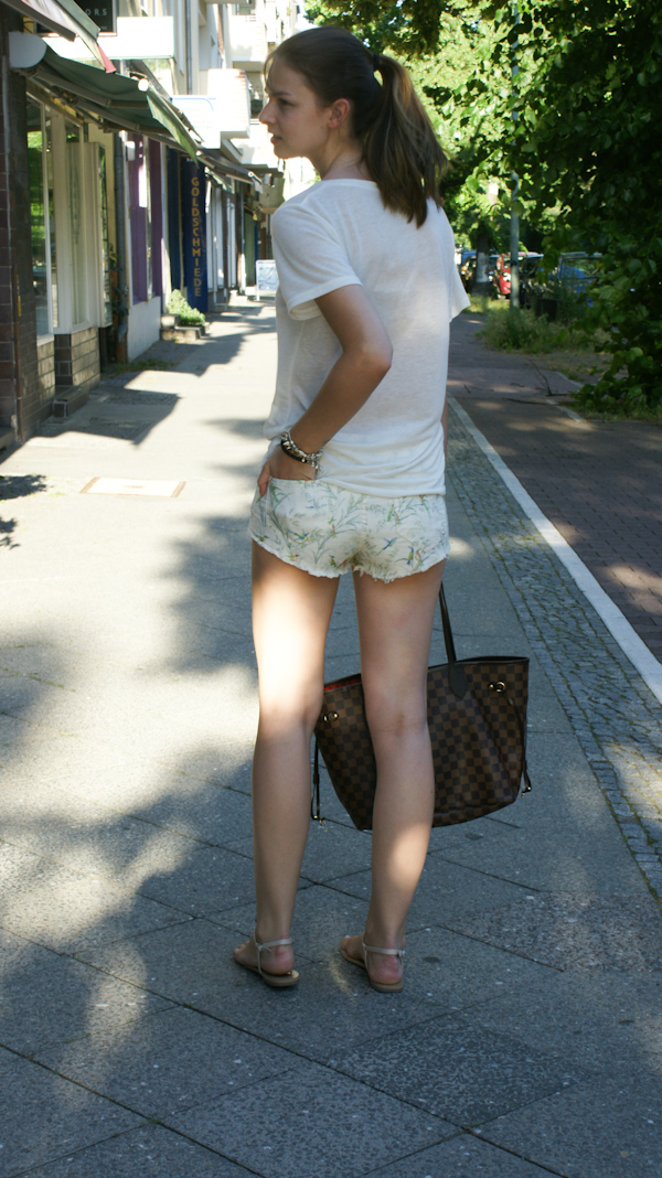 Louis Vuitton Denim Bag >> light and shade with my LV Neverfull