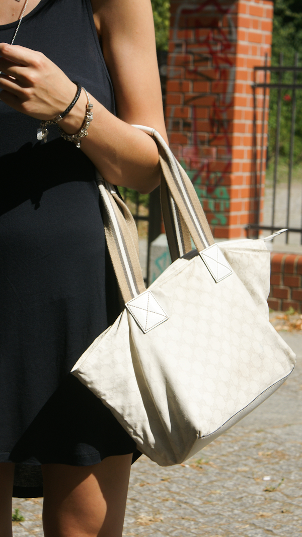 beige Gucci Bag with Logoprint