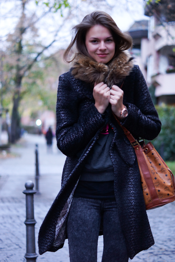 coat with fur