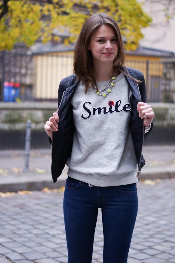 Smile Pullover