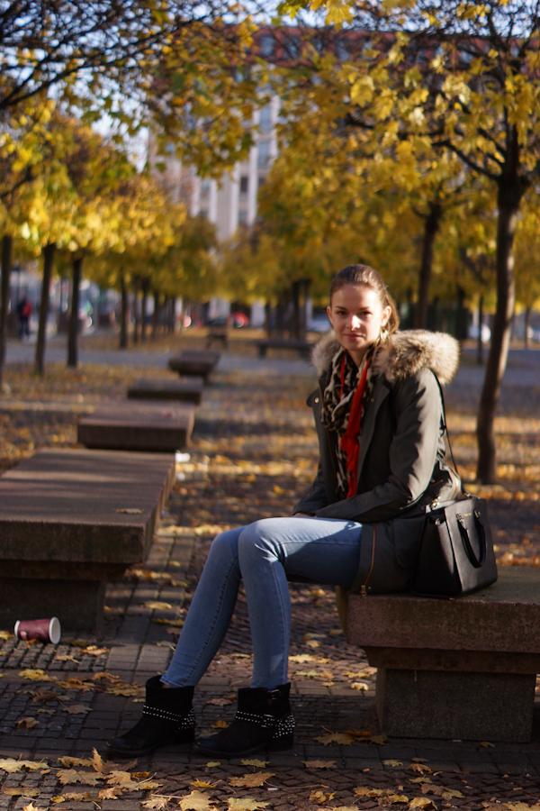 Zara Schal