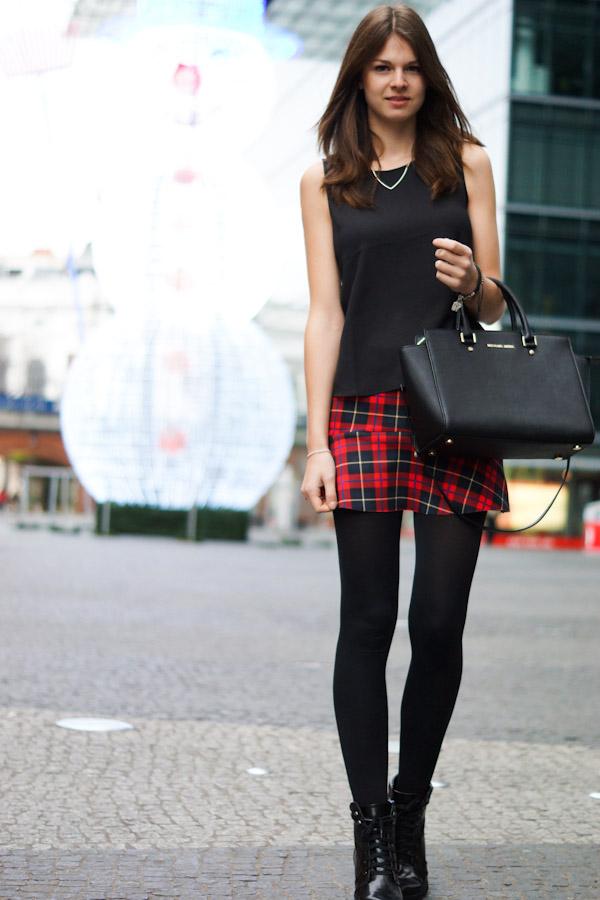 <3 Zara skirt - Christmas Eve Outfit