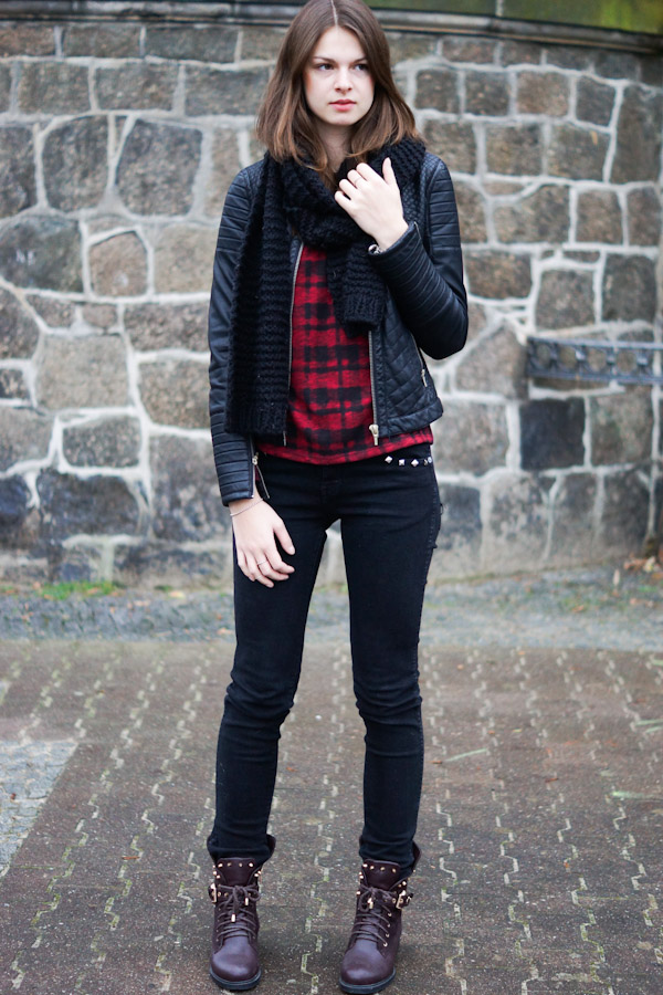 checkered pattern combined with black
