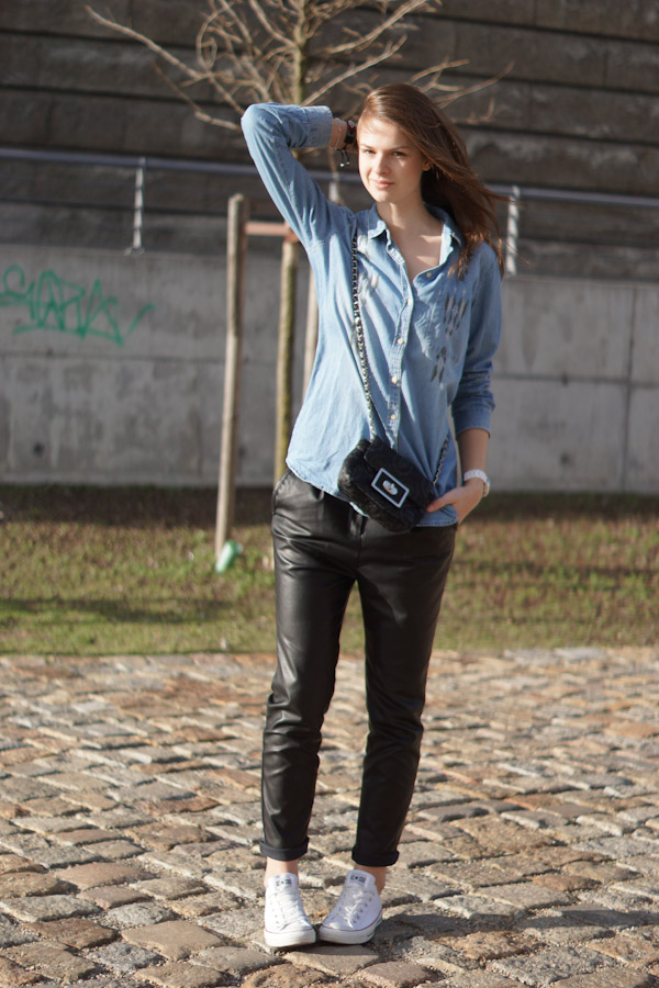 4 days 4 ways how to wear leather baggy pants 4