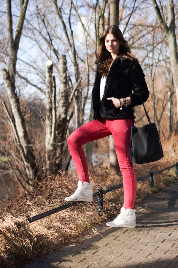rote Zara Jeans
