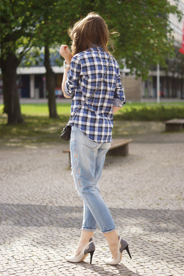 Boyfriend Jeans mit Aztek Aufdruck