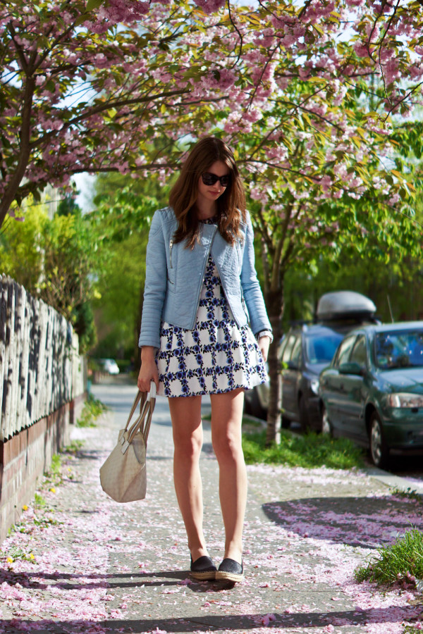Espadrilles and dress combination