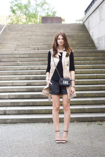4 Days 4 Ways: How to wear a Sleeveless Trench #1