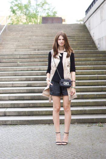 4 Days 4 Ways: Wie trägt man einen ärmellosen Trench Coat #1