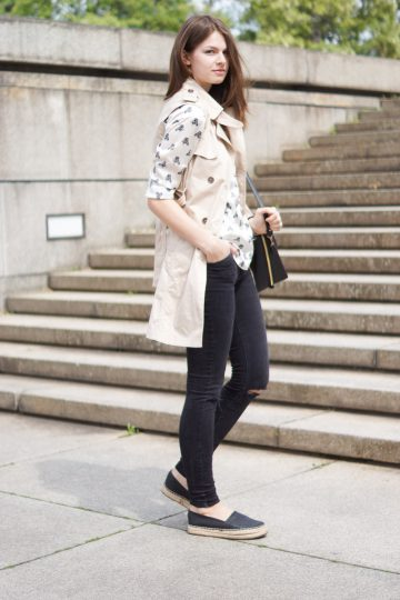 4 Days 4 Ways: How to wear a Sleeveless Trench #2