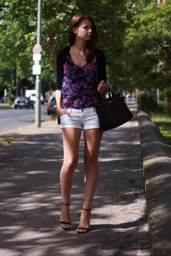 Wie trägt man weiße Shorts