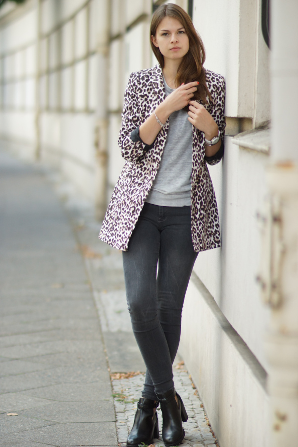 How to wear leo print