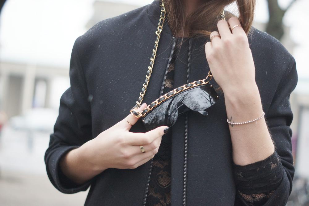 Chanel Sonnenbrille mit Kette