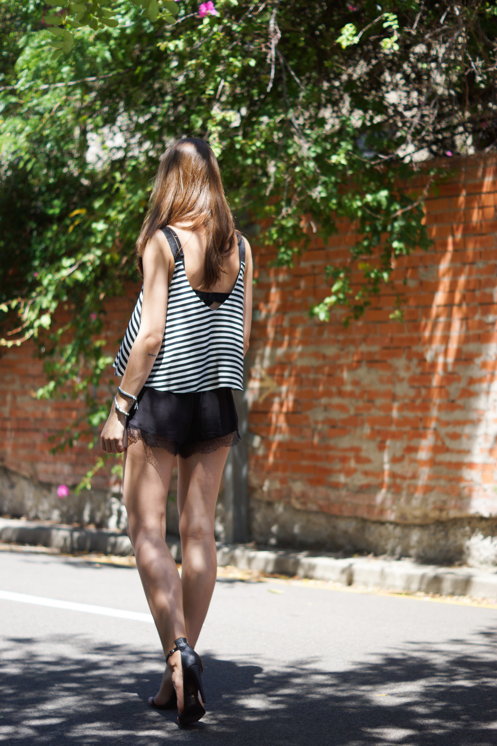 How to wear striped garments
