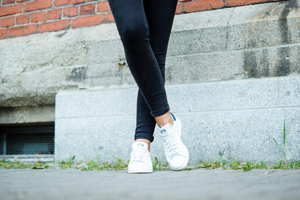 Weiße Adidas Sneaker
