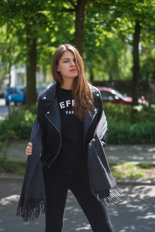 Defend Paris Pullover