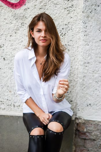 Das klassische weiße Hemd