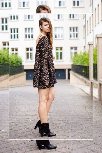 Swing-Kleid mit Leopardenmuster