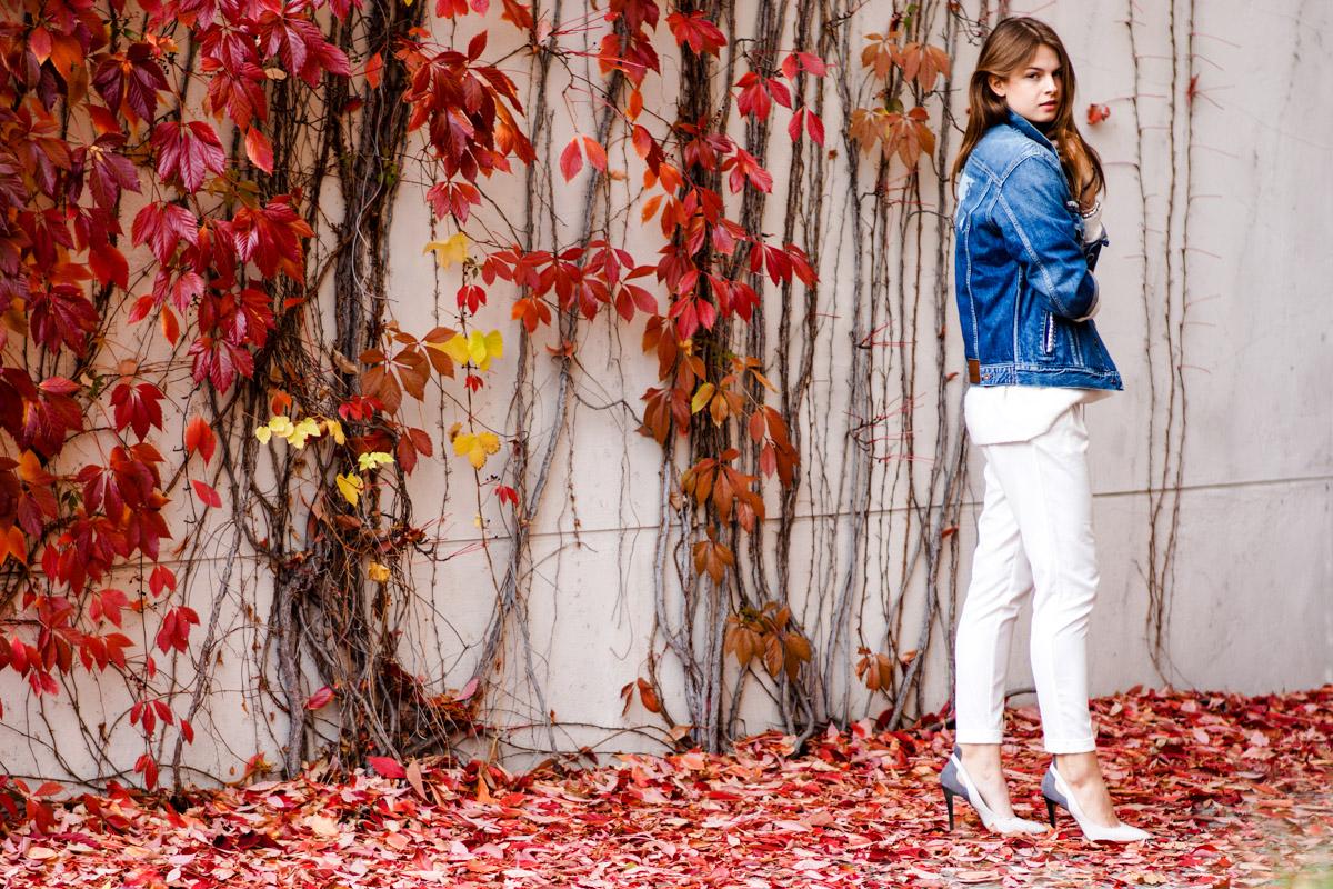 Komplett weiß im Herbst