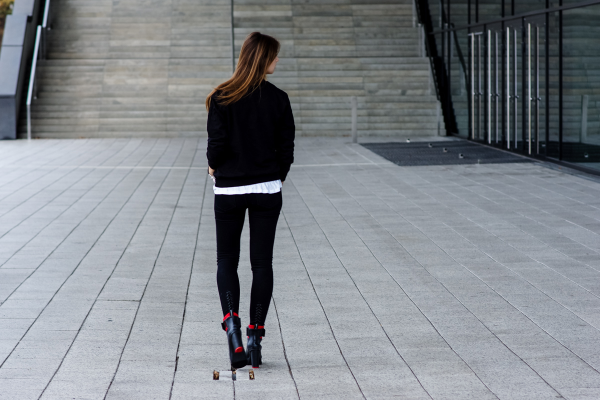schwarze J Brand Jeans