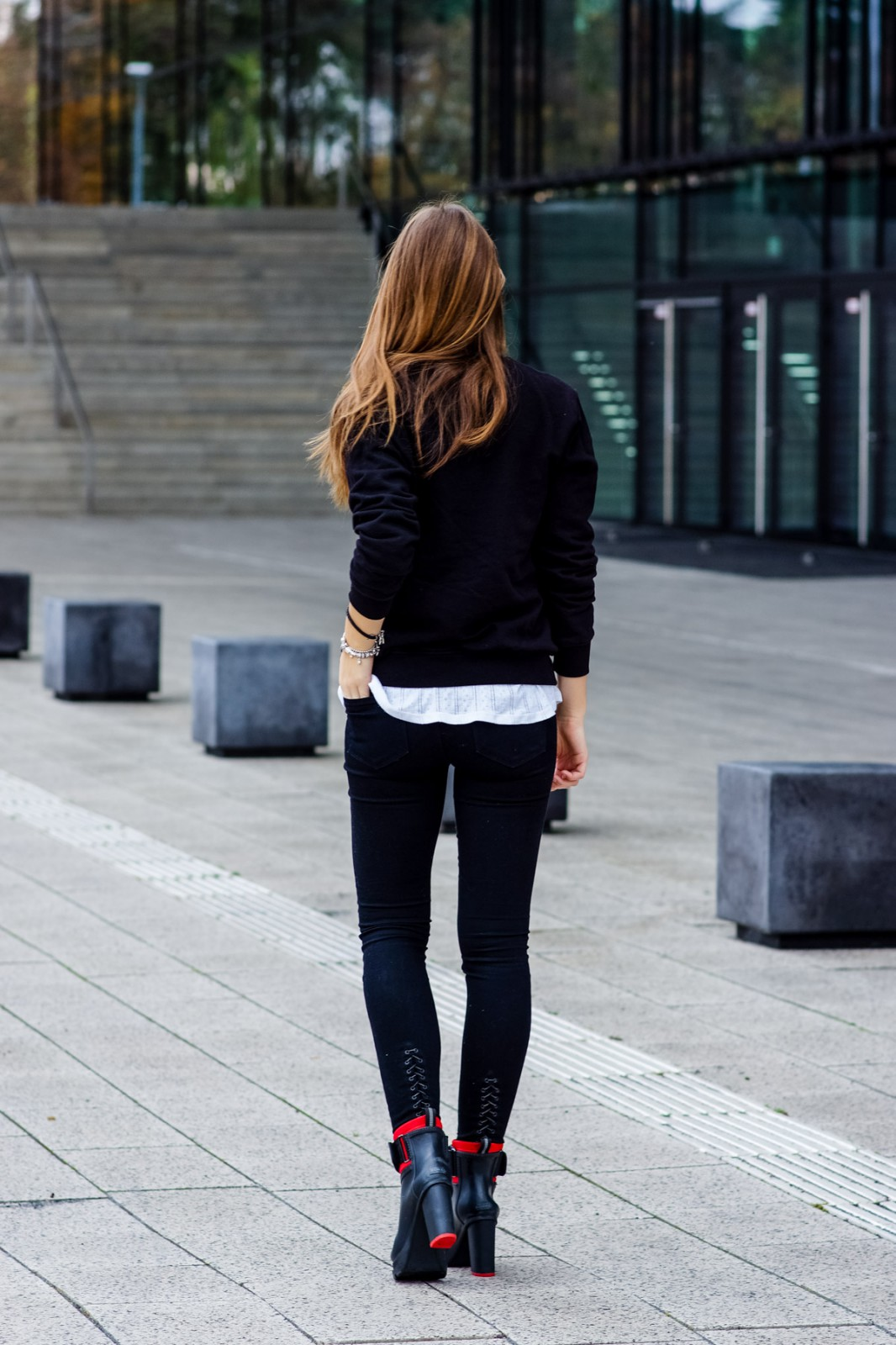 Black and White Autumn Outfit