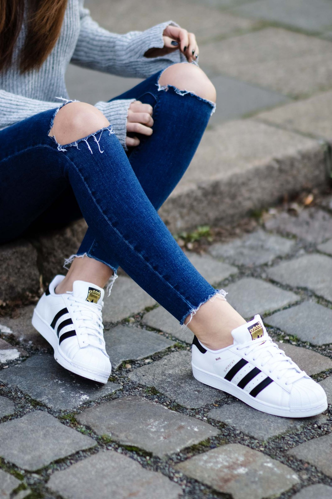 How to wear Superstars