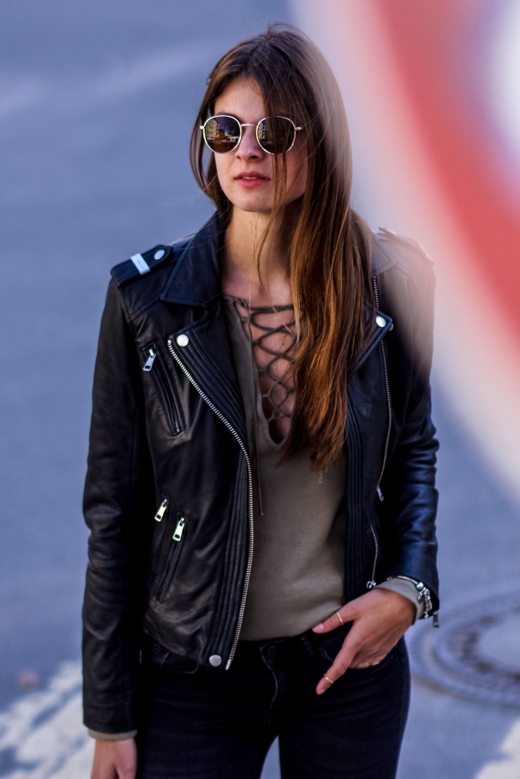 How to wear the lace up trend