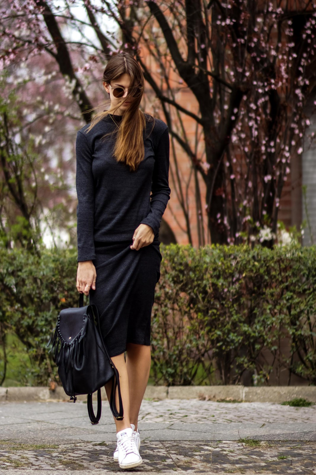 Mididress and sneakers