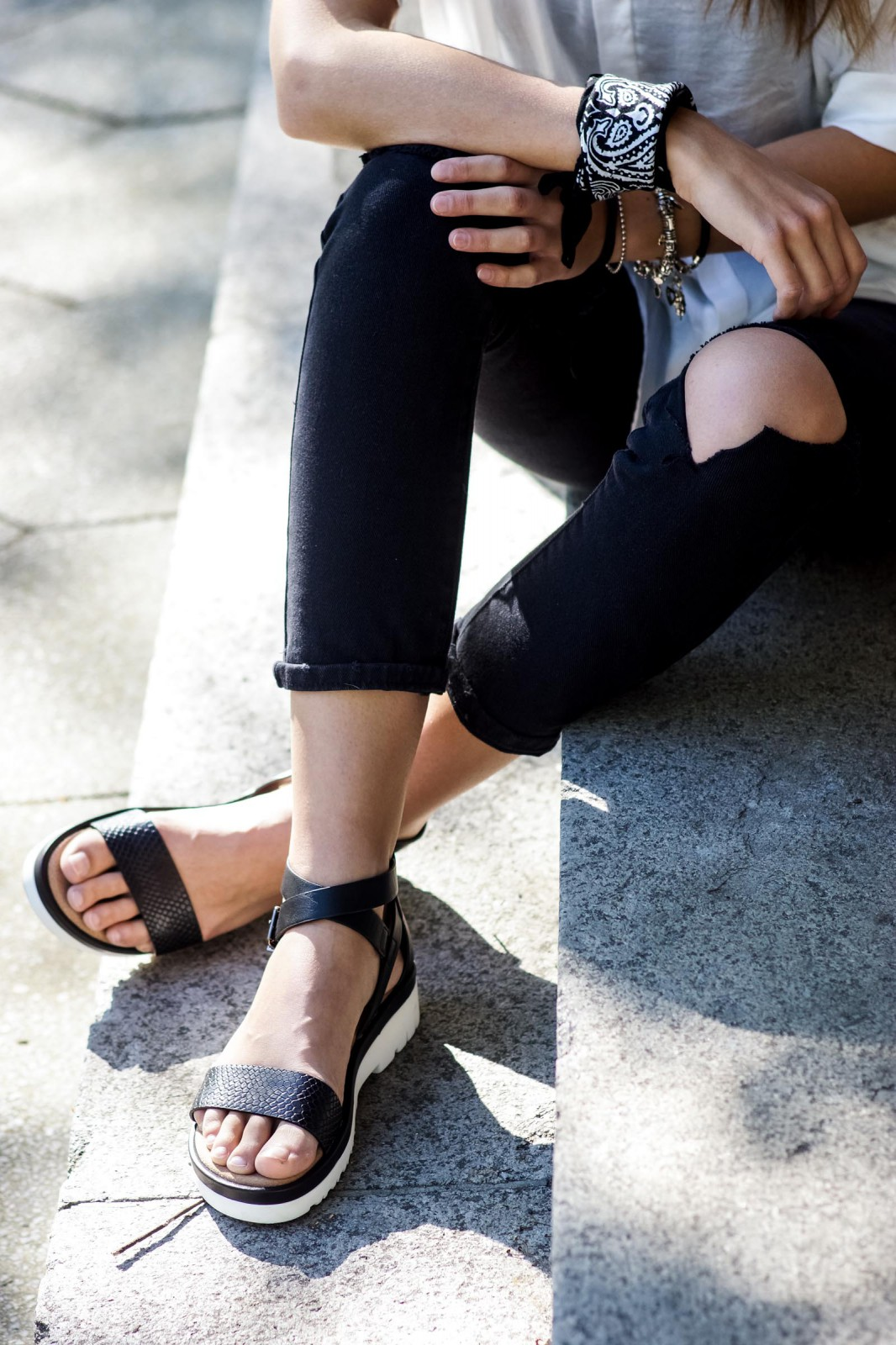 Black Bullboxer Sandals