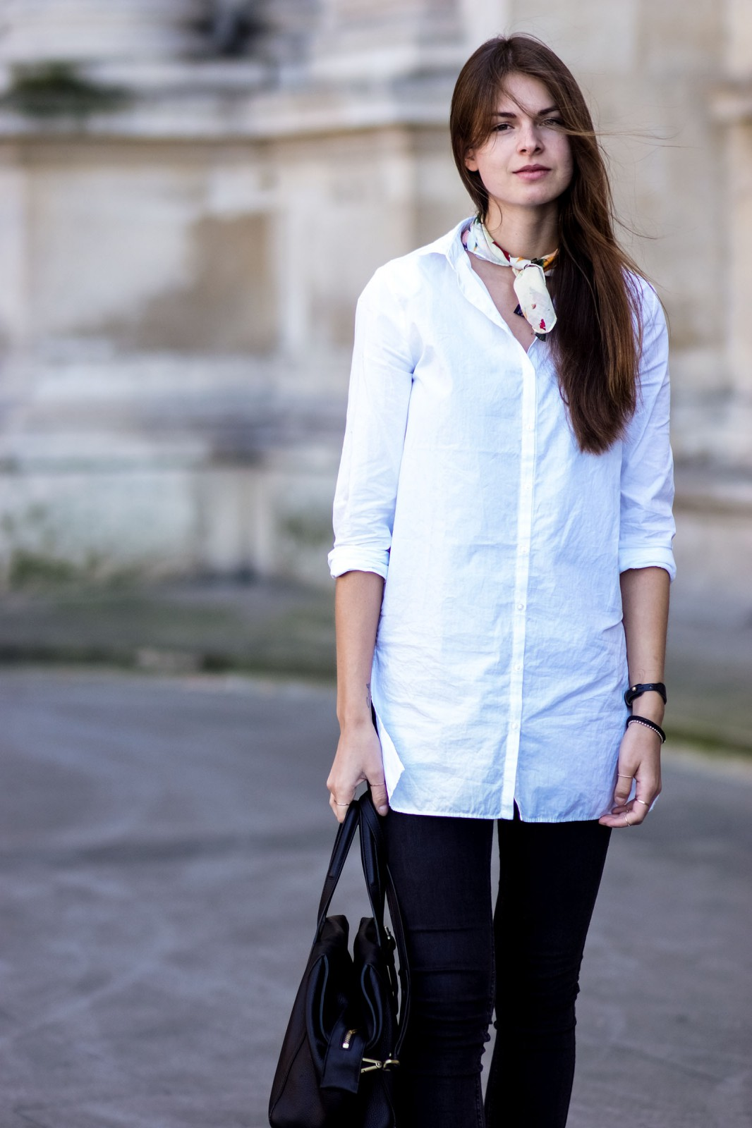 How to wear a white shirt
