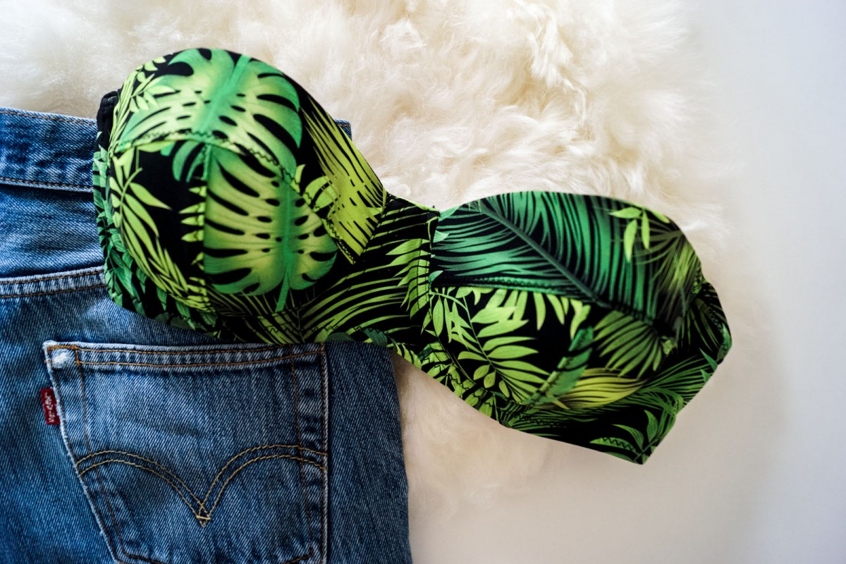 Bikini Top with leaves print