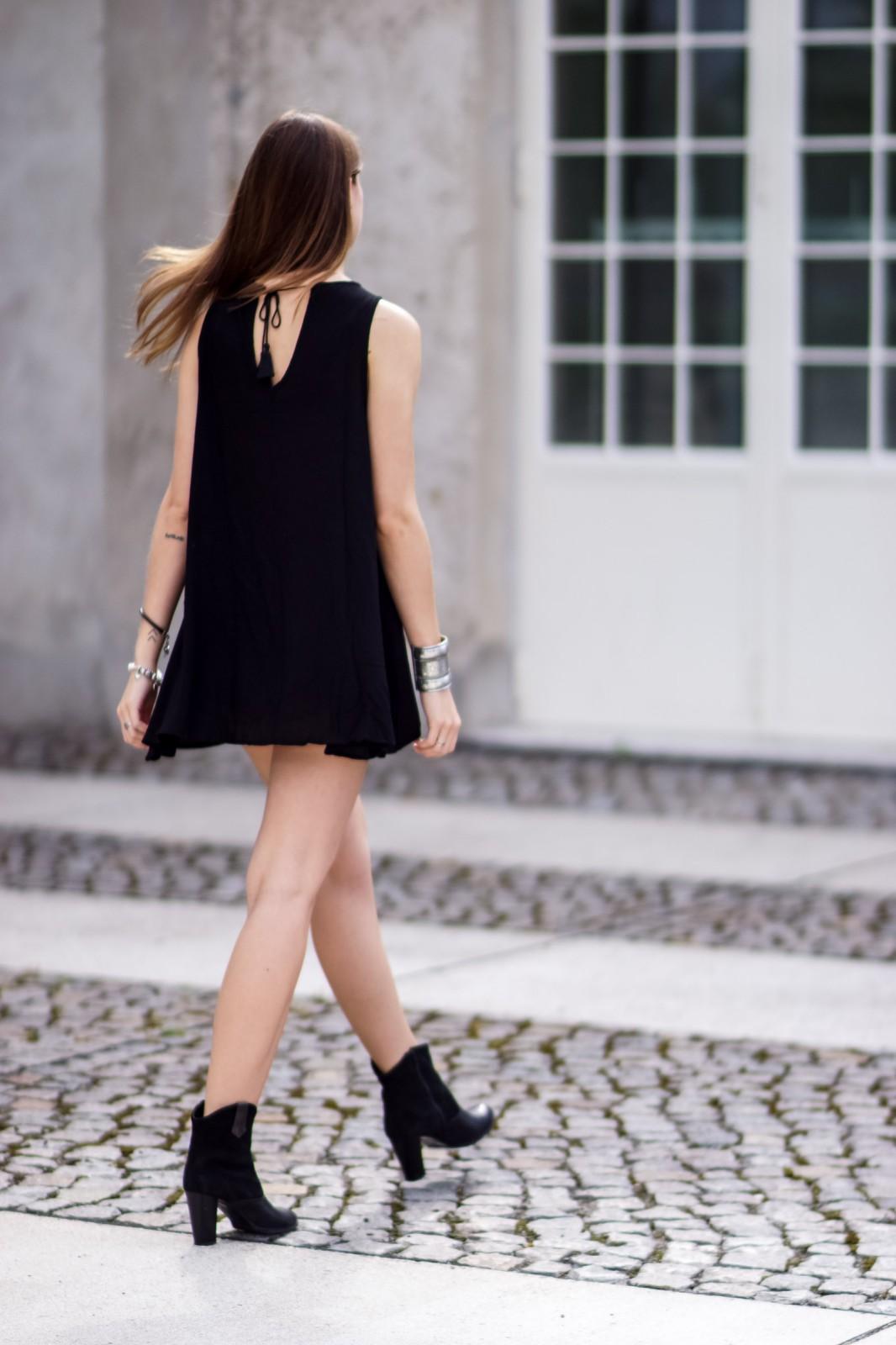 Wie trägt man ein Kleid