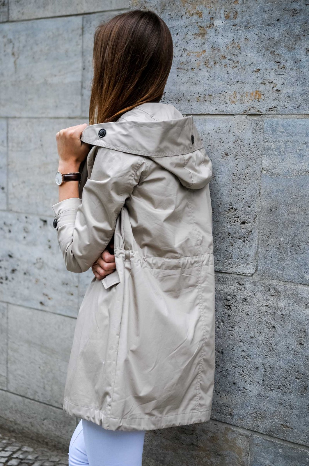 How to wear a beige parka
