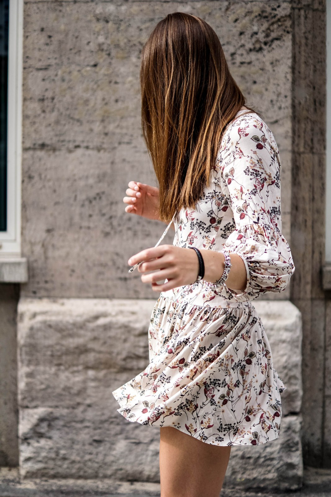How to wear a flower dress