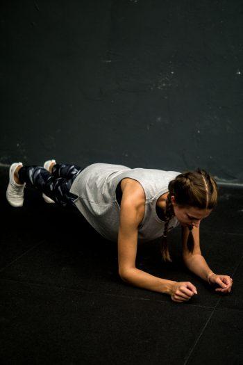 Vlog #8 – Fünf Übungen für einen starken Körper