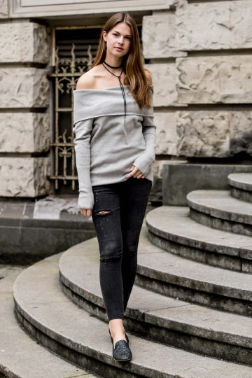 NA-KD Off-Shoulder sweater