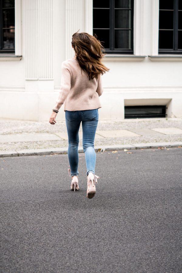Auf High Heels rennen
