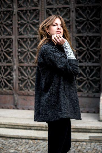 How to wear a dark grey coat