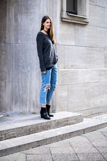 Subdued Boyfriend Jeans