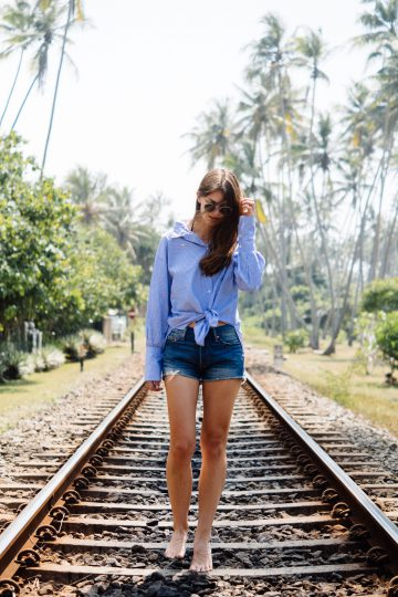 How to wear Levi's Shorts