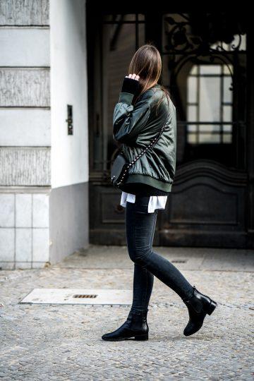 How to wear dark grey Jeans