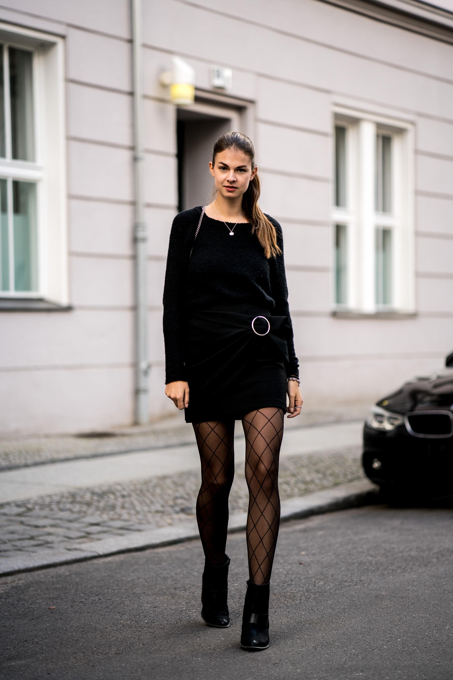 Schwarzer Rock und Netzstrumpfhose || Casual Chic Outfit