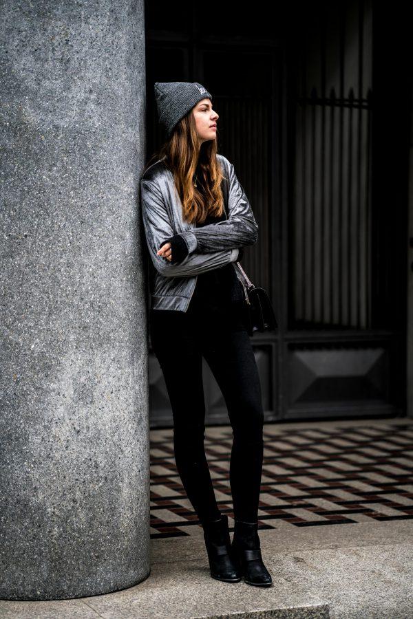 komplett schwarzes Outfit