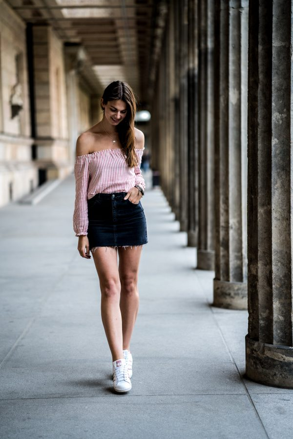 Subdued skirt