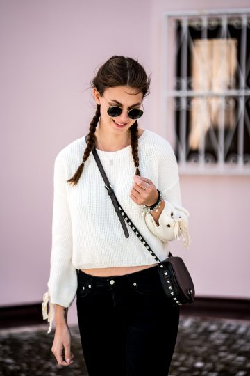 Cropped Sweater x Pink Wall
