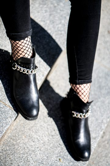 how to wear fishnet socks