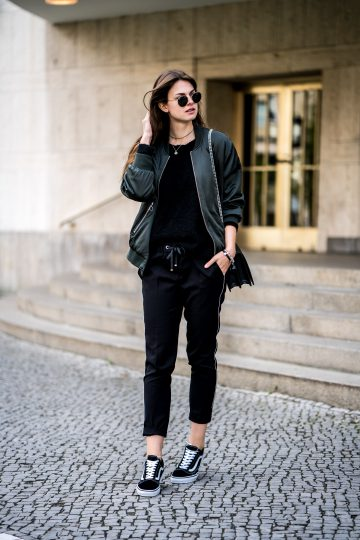 how to wear black pants