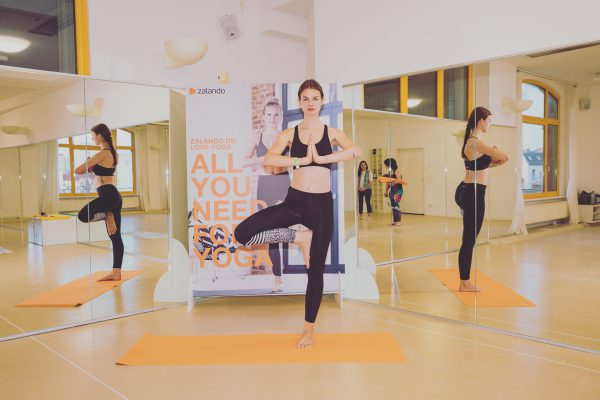 hot yoga with zalando in berlin we love yoga project. Black Bedroom Furniture Sets. Home Design Ideas